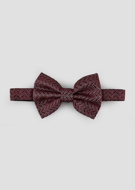 Bow tie in pure silk with geometric motif