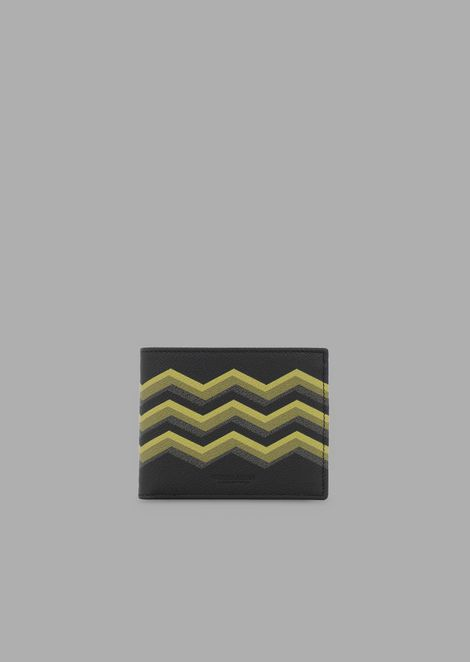 Bi-fold wallet in grained leather with colored chevron print