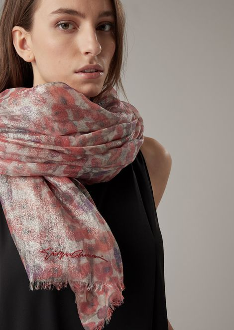 Pure cashmere stole in floral micro pattern