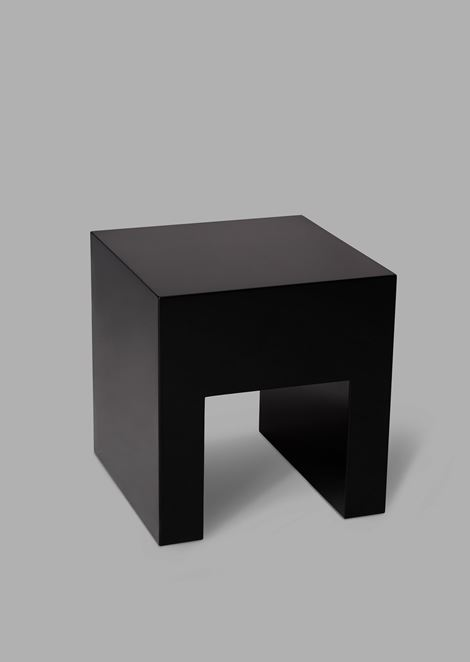 A-shaped table with three-dimensional effect
