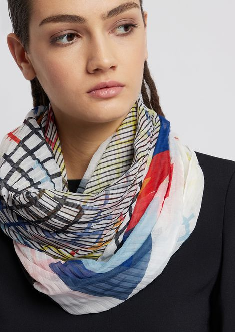 Scarf in pleated garza with abstract print
