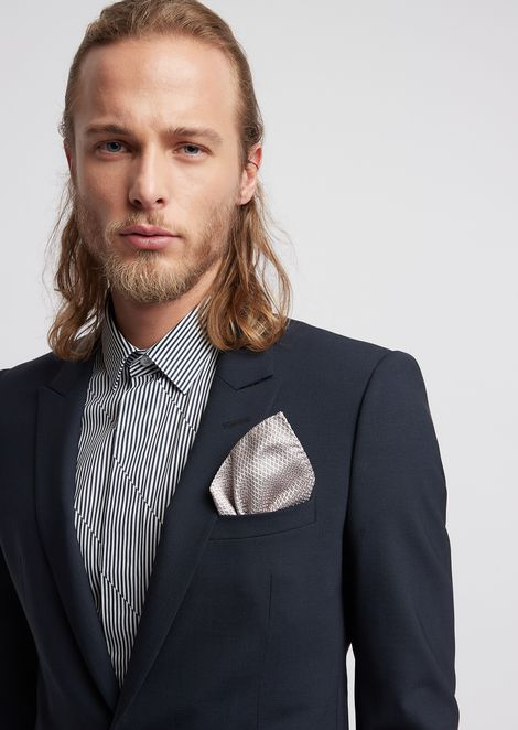 Pocket square in pure silk with geometric pattern