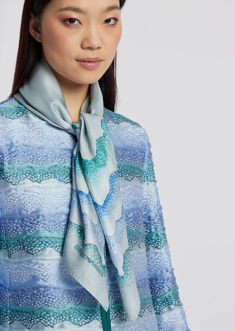 Scarf in silk with wave motif print