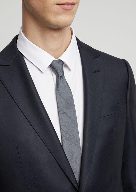 Cravatta in pura seta crinkle