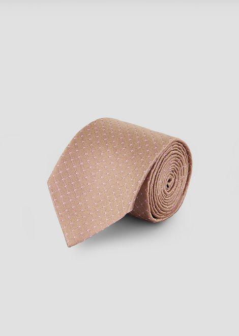 Corbata en seda con motivo de lunares