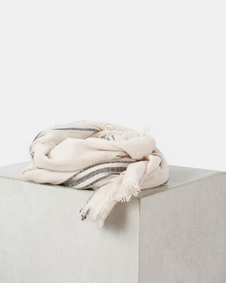 VALA scarf