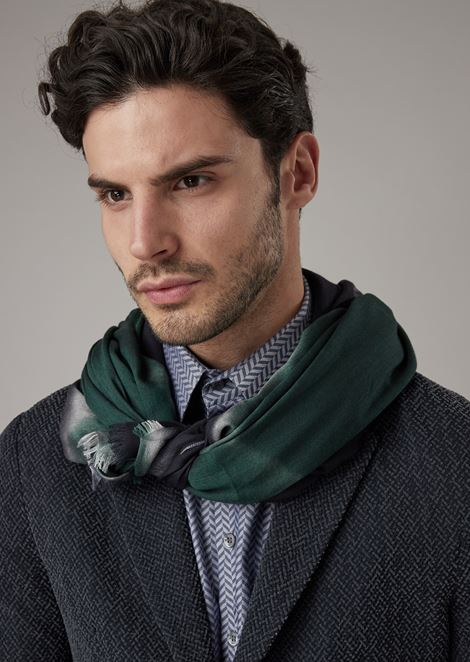 Fabric stole with criss-crossed stripes