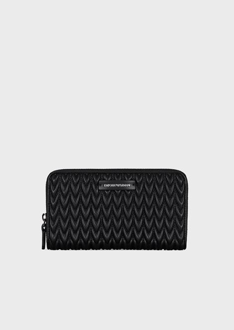 Horizontal wallet with quilted drop motif