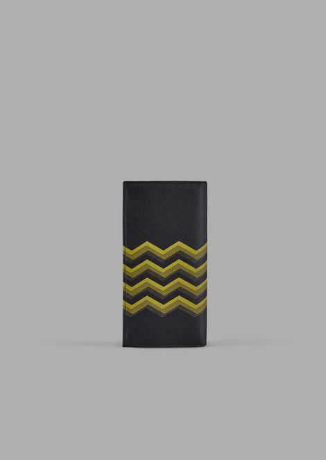 Vertical wallet in leather with colored chevron print