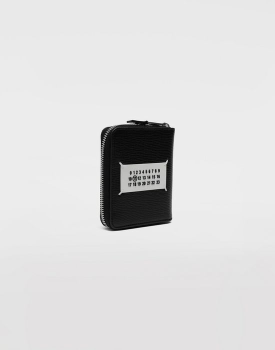 MAISON MARGIELA Zip grainy leather wallet Wallet [*** pickupInStoreShippingNotGuaranteed_info ***] r
