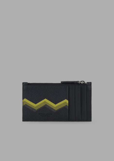 Card holder in grained leather with zip and coloured chevron print