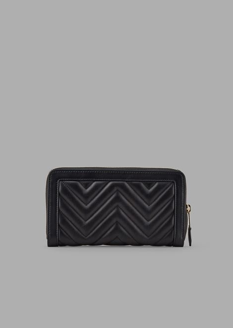 Quilted nappa leather wallet with zipper and enameled logo