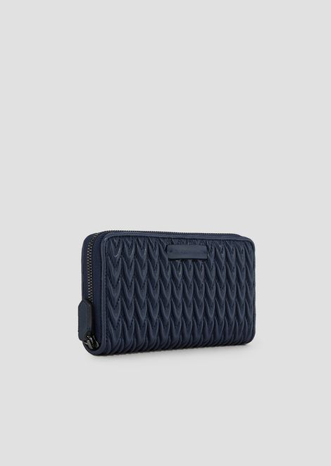 Horizontal wallet with quilted drop pattern