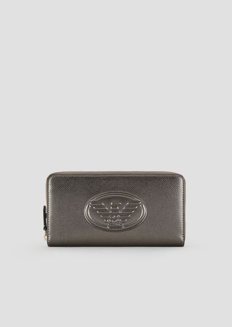 Horizontal design wallet with embossed logo