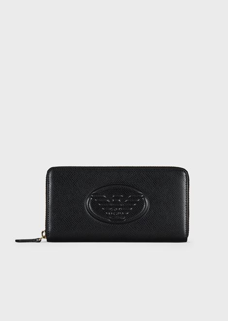 Horizontal wallet with embossed logo