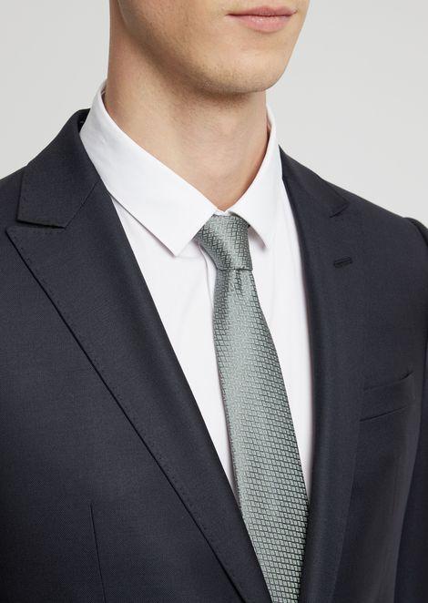 Corbata en seda pura con motivo jacquard
