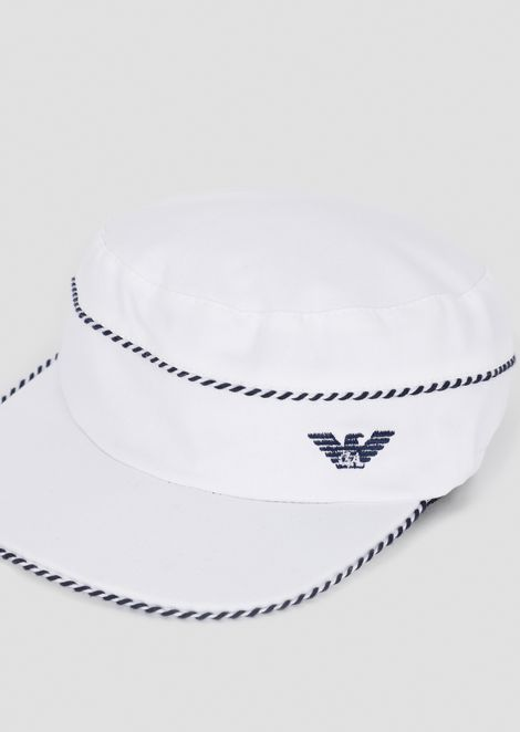 Cotton hat with striped edges and logo
