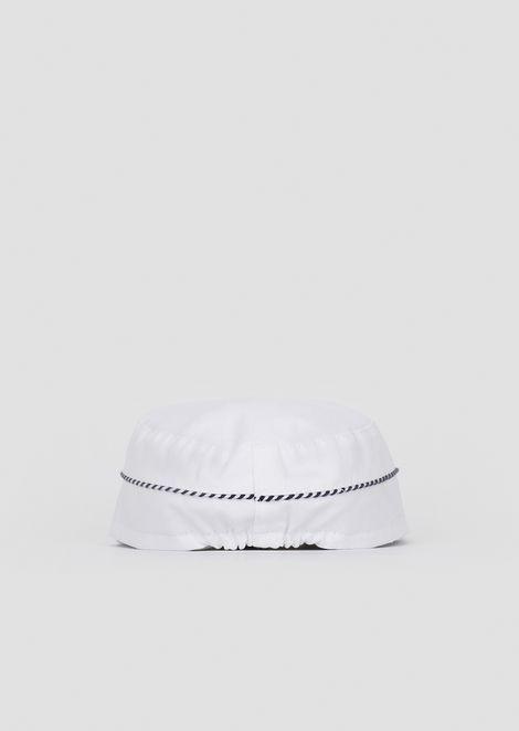 Cappello in cotone con profili a righe e logo