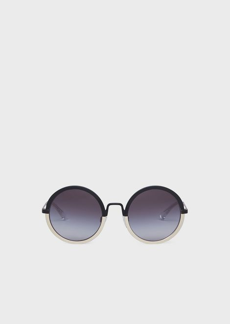 Woman round sunglasses