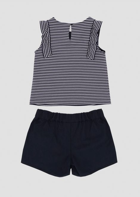 Outfit in jersey with top and striped shorts and shorts