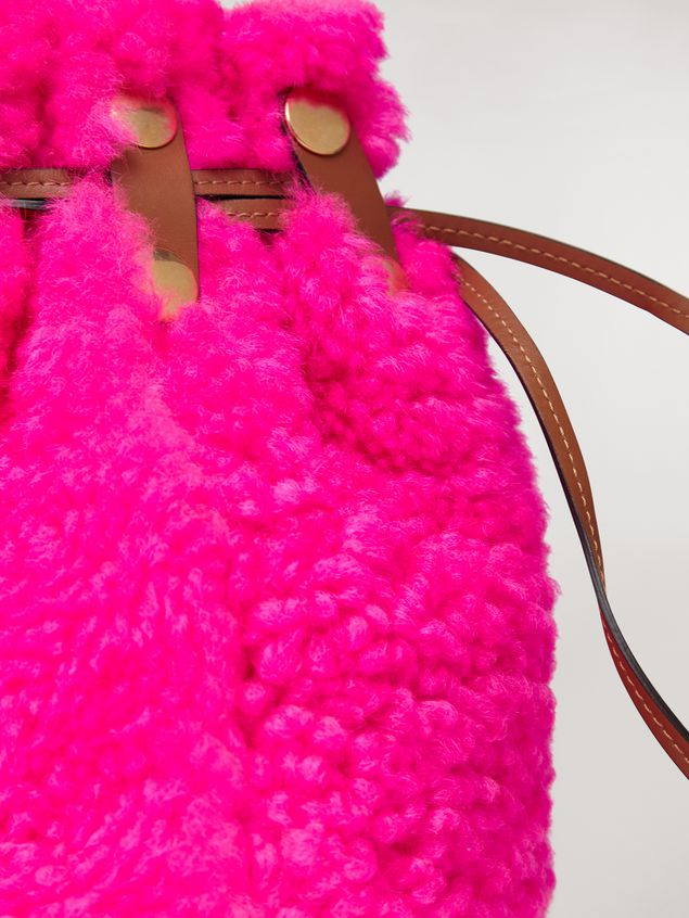 Marni BINDLE clutch in shearling fuchsia Woman - 5