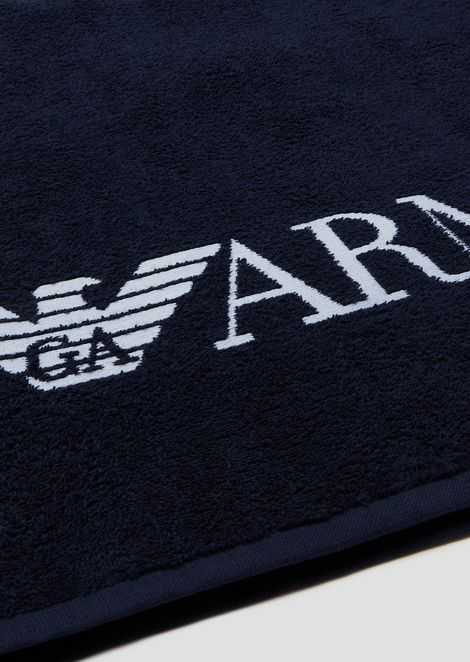 Pure cotton beachwear towel with contrast logo