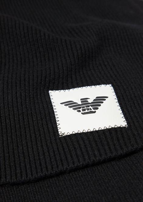 Rib-knit scarf with logo patch