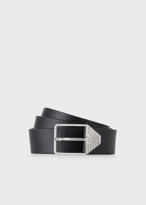 Cinturón de piel con estampado graneado y hebilla con logotipo