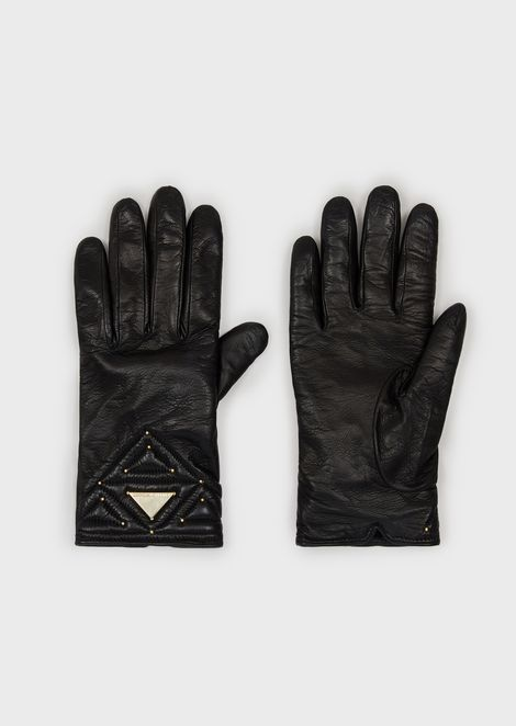 Sheepskin gloves with studs