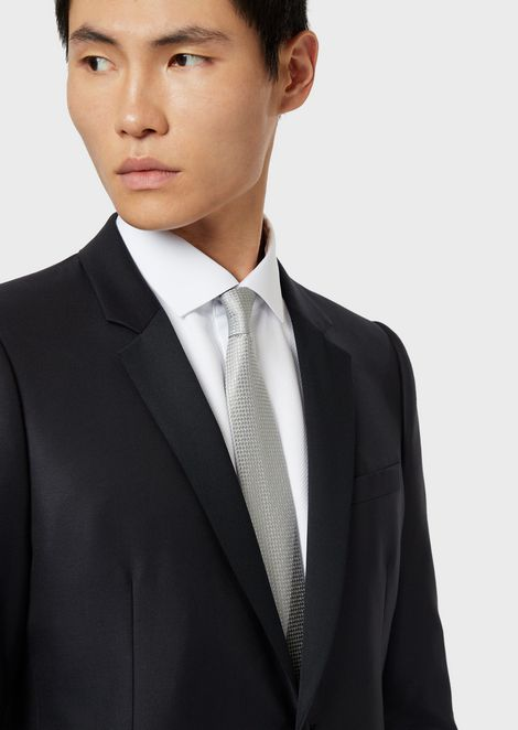 Pure silk tie with jacquard motif