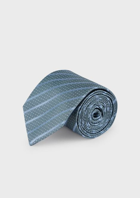 Silk tie with regimental pattern