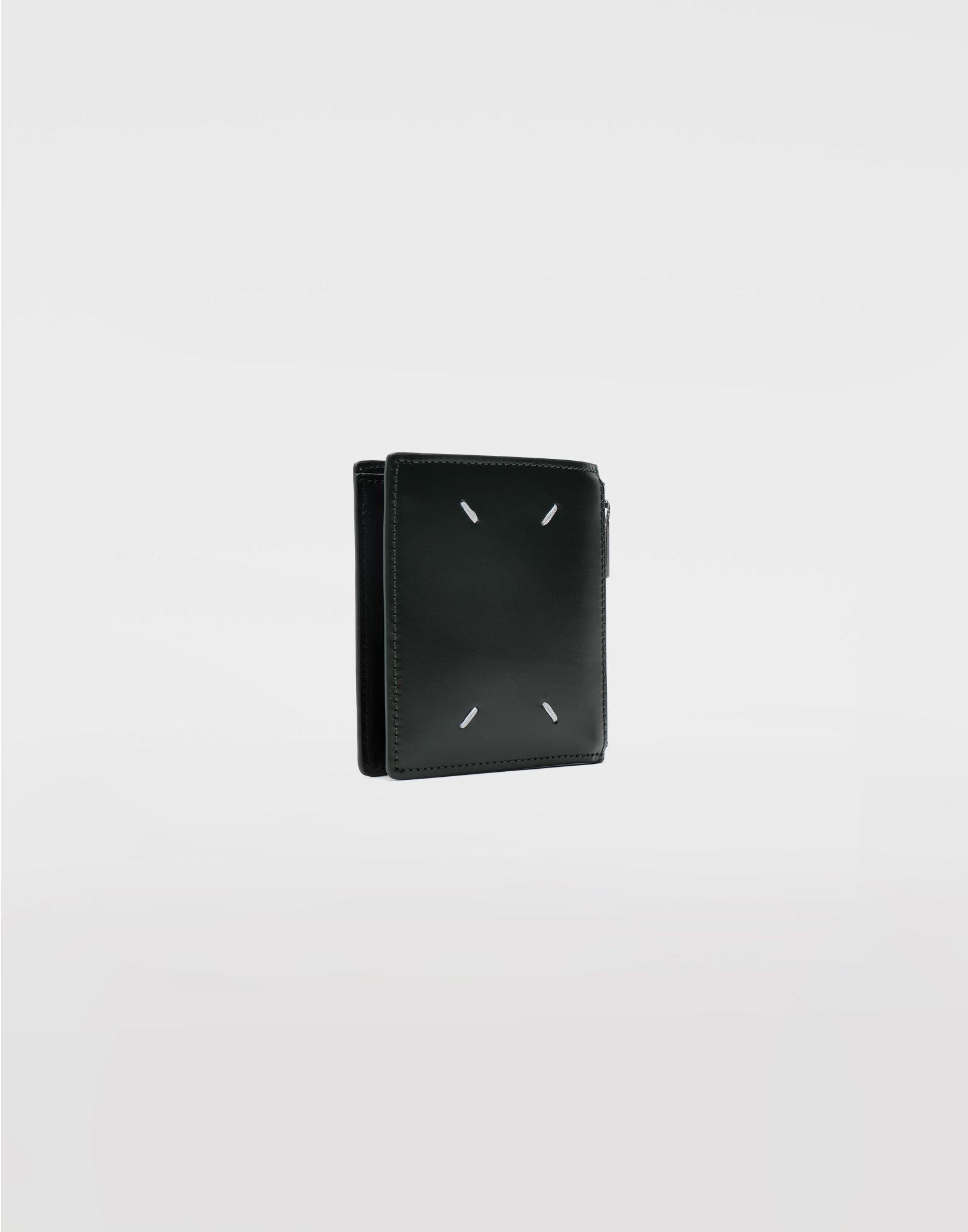 MAISON MARGIELA Kleine, zweifach klappbare Brieftasche aus Kalbsleder Portemonnaie Herr r
