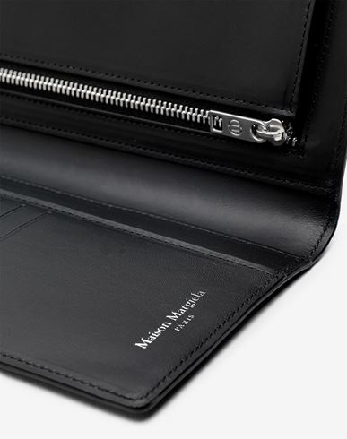Small Leather Goods  Folded calfskin wallet  Black