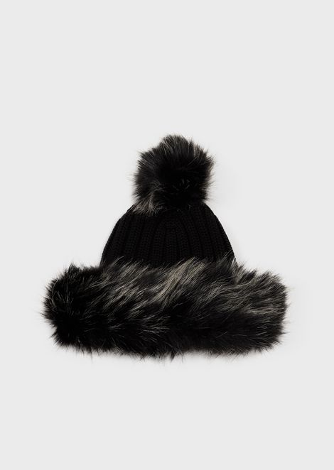 Pure virgin wool beanie with faux-fur inserts