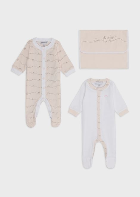 Gift set with 2 baby suits and a dust bag