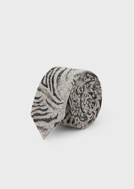 Tie in a silk/wool blend with jacquard animal print