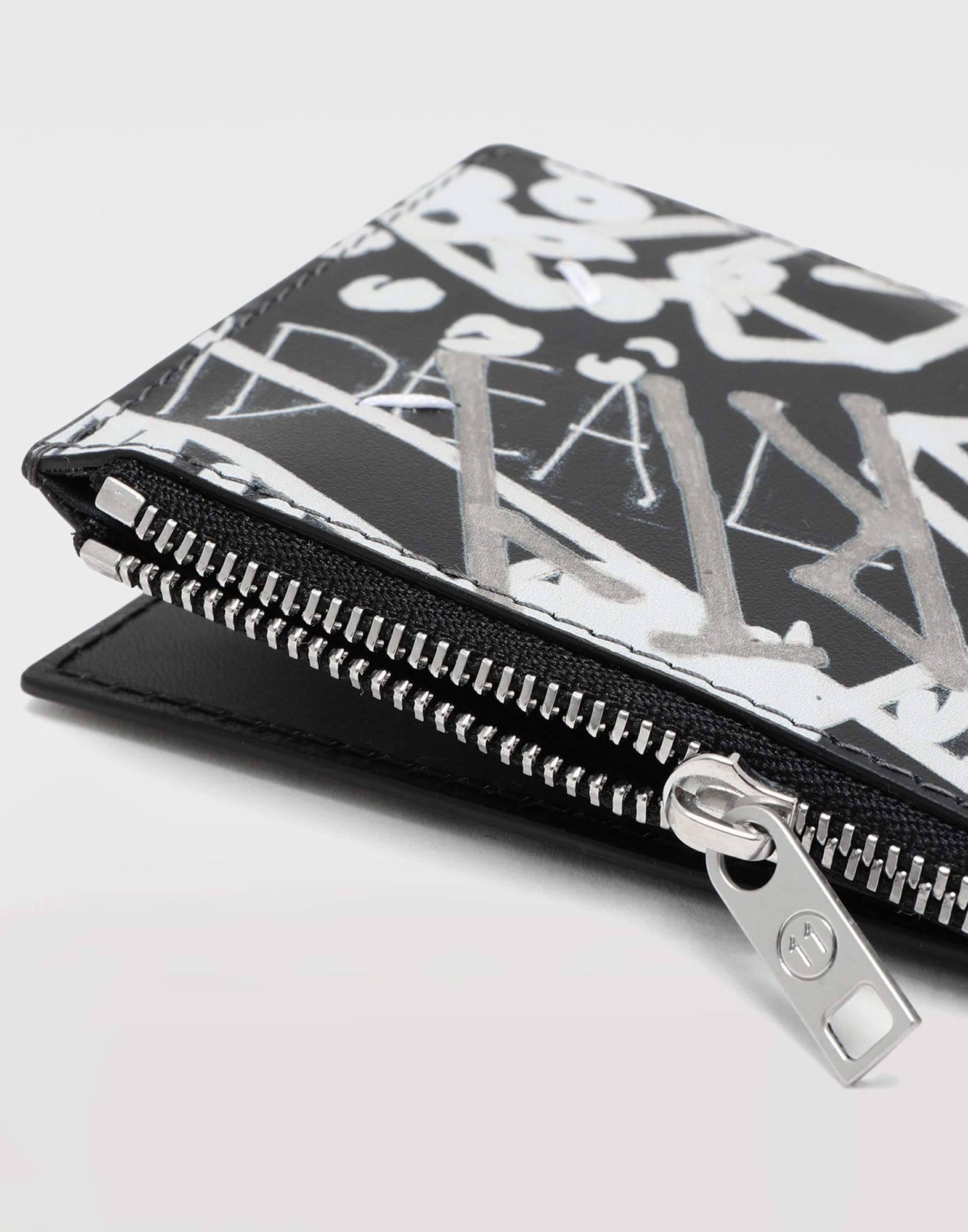 MAISON MARGIELA Graffiti zip wallet Wallets Man a
