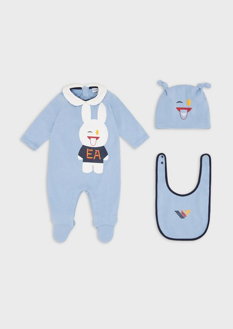 Gift set with baby suit, bib and beret