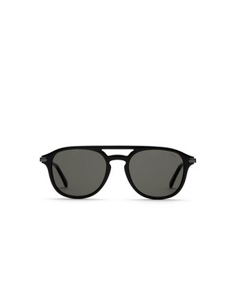 Black Pantos Shape Sunglasses With Gray Lenses