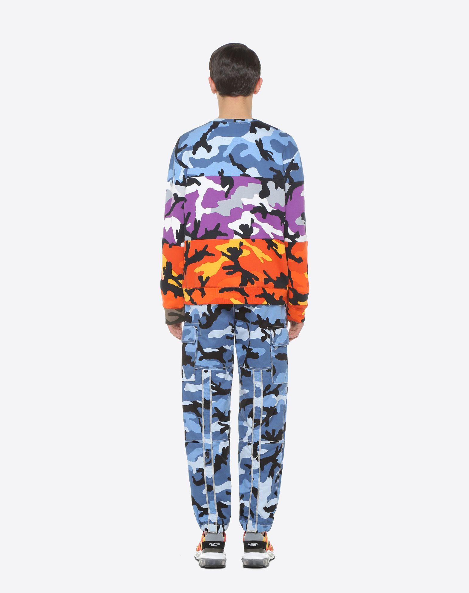 VALENTINO Camouflage cargo pants  Pants U e