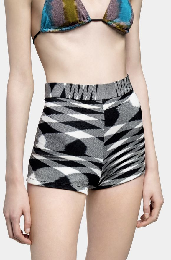 MISSONI Shorts Woman, Detail