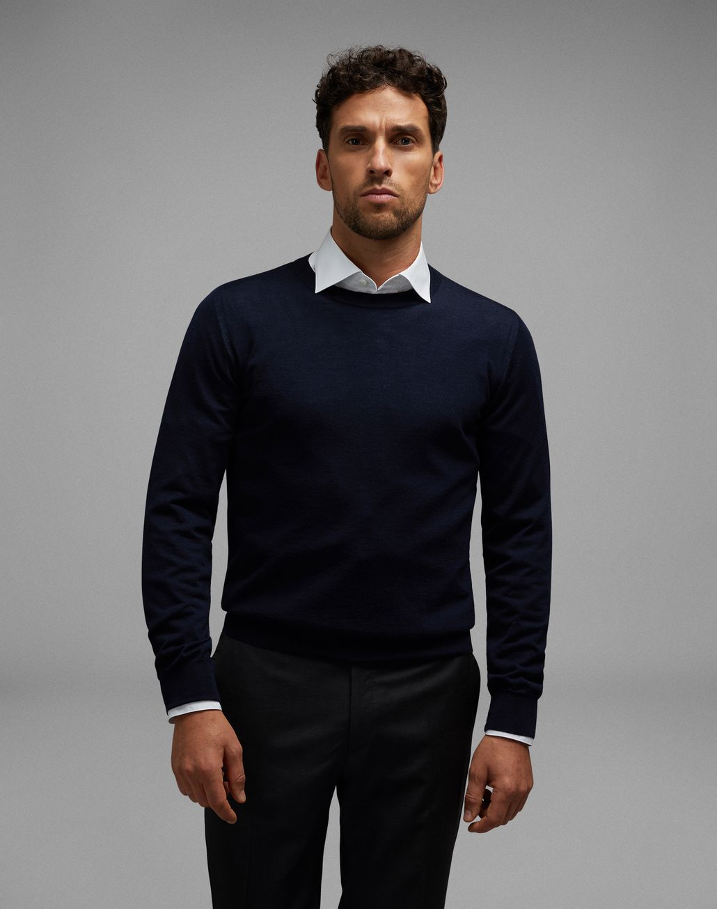 BRIONI Navy Blue Crew-Neck Sweater Knitwear U r