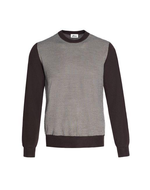 Коричневый свитер с круглой горловиной и микроузором