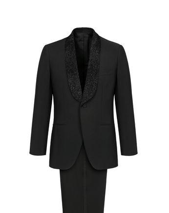 Schwarzer Smoking Parioli mit aufgestickten Perlen auf dem schwarzem Schalkragen