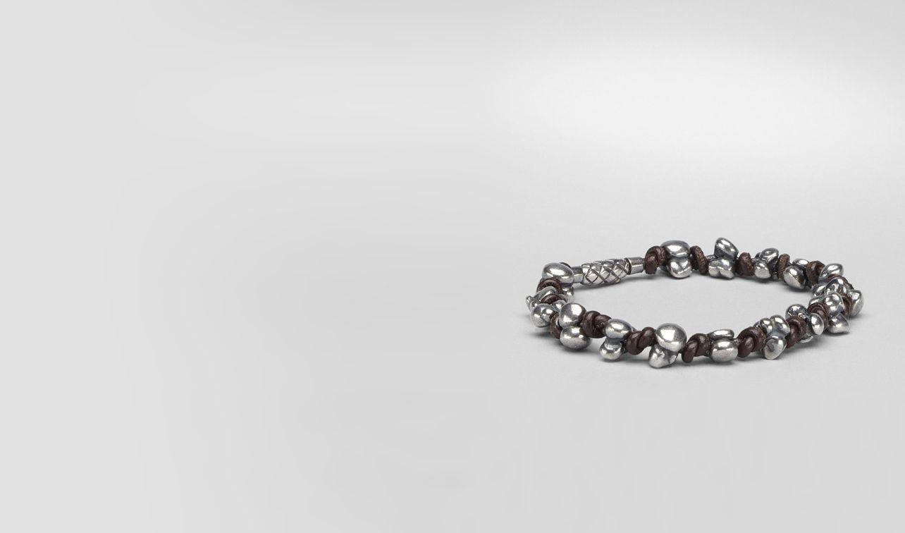 BOTTEGA VENETA Armband U Armband aus antikem Silber und Nappaleder Intrecciato Ebano pl