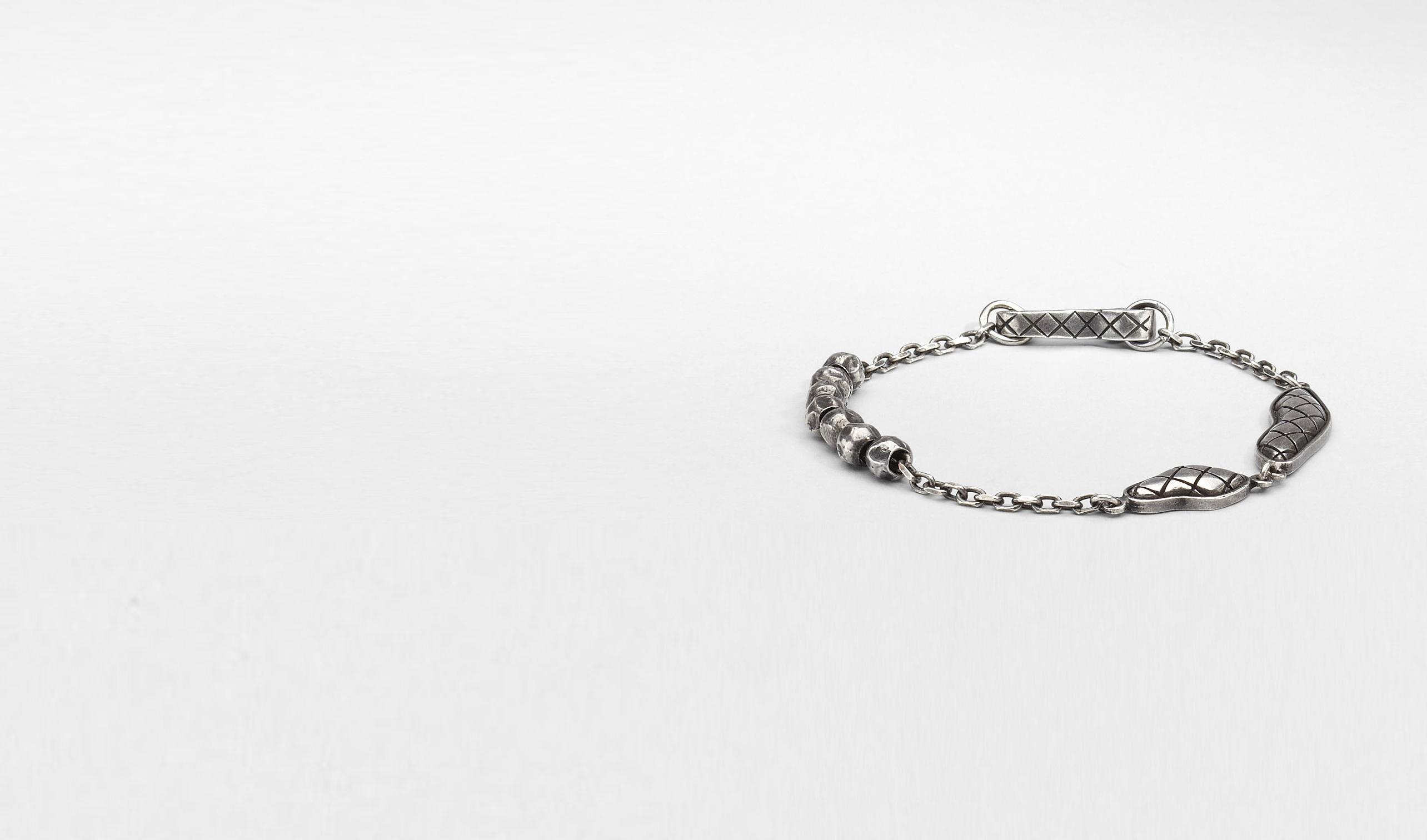 BOTTEGA VENETA Armband U Armband aus oxidiertem Silber Intrecciato pl
