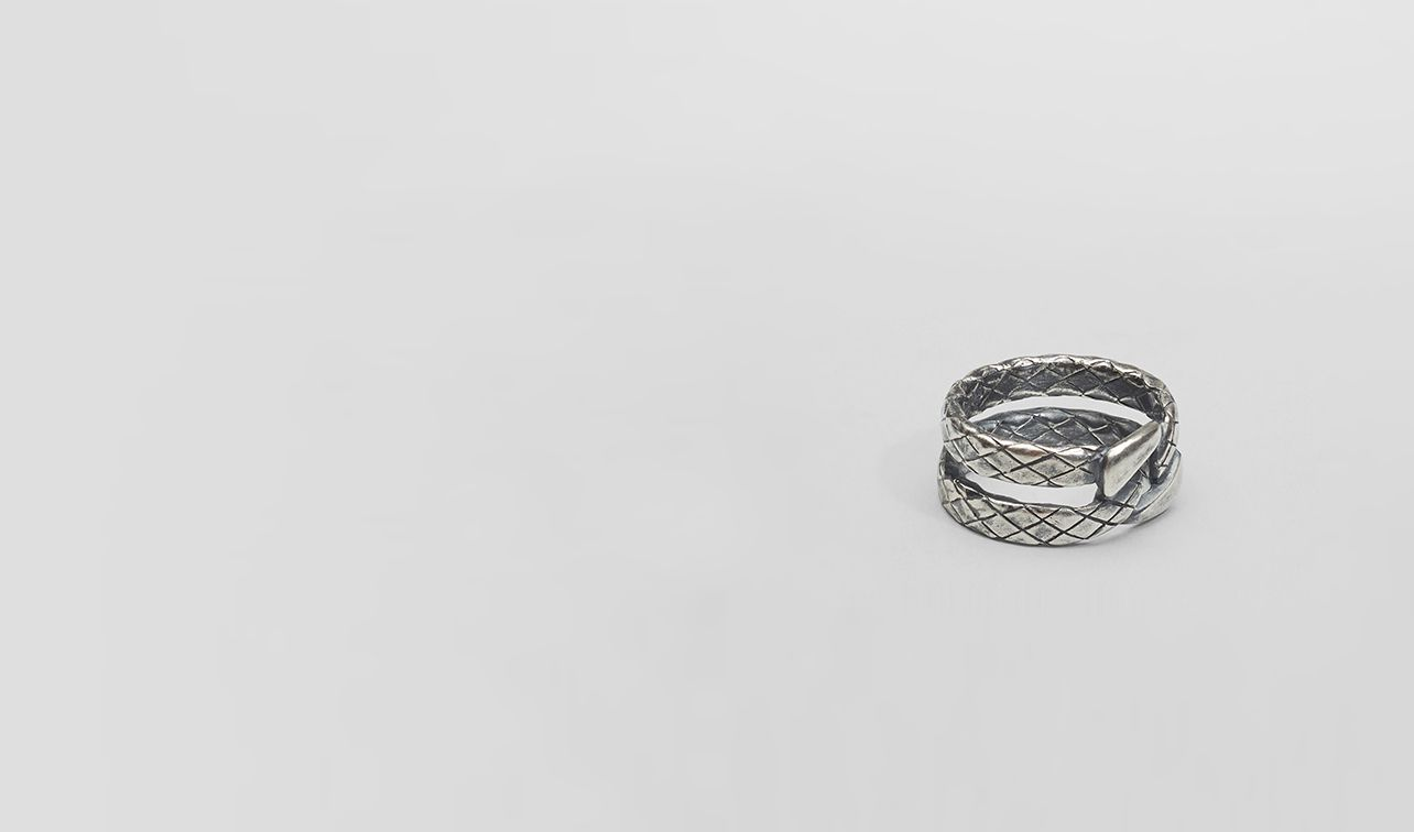 BOTTEGA VENETA Necklace and Ring U Intrecciato Oxidized Silver Ring pl