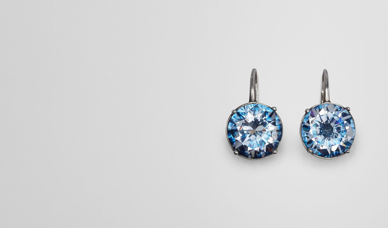 Earrings In Silver And Natural Pea Cubic Zirconia Landing