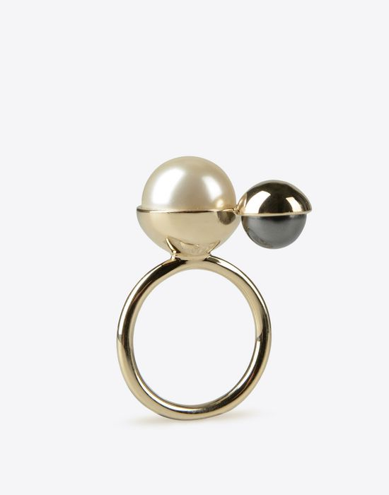 MAISON MARGIELA Two-pearls ring Ring D d
