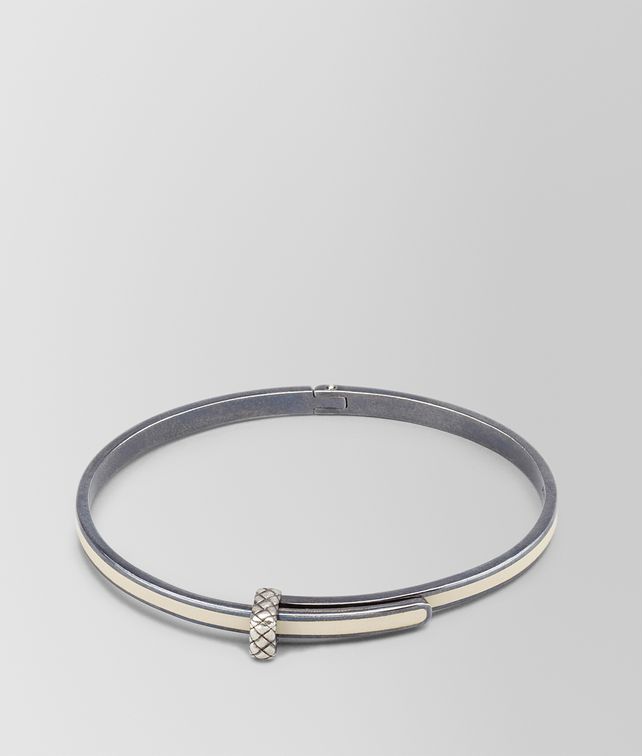 BOTTEGA VENETA BRACELET IN MIST SILVER AND ENAMEL WITH INTRECCIATO DETAIL Bracelet D fp